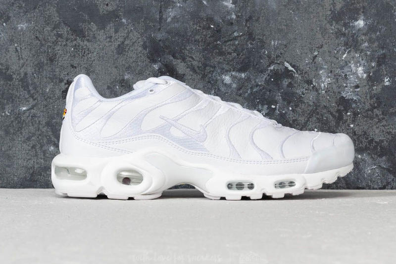 Nike Air Max Plus Leather Release Triple Black White