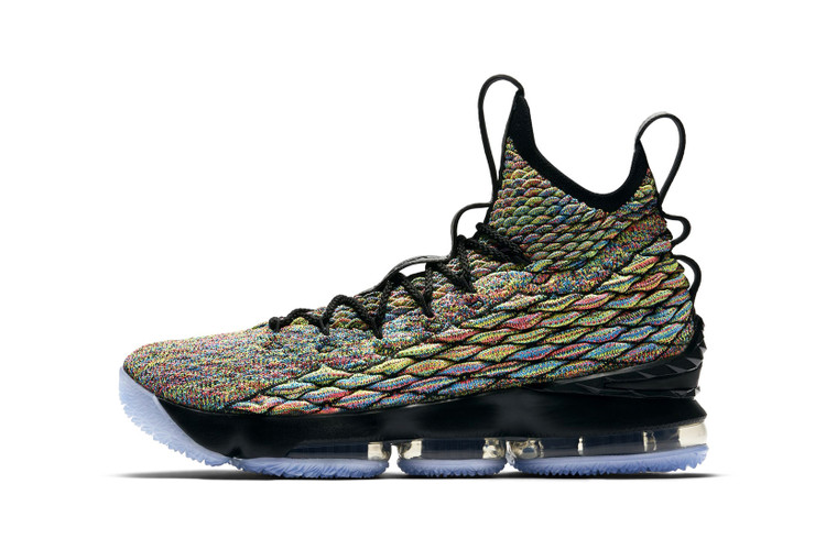 79b7fbe9b760b An Official Look at the Nike LeBron 15