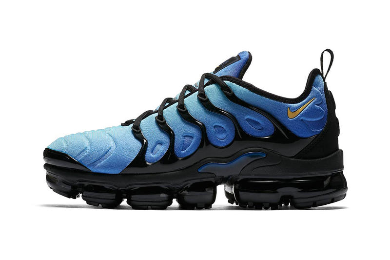 buy popular fe99f a2532 Nike Air VaporMax Plus