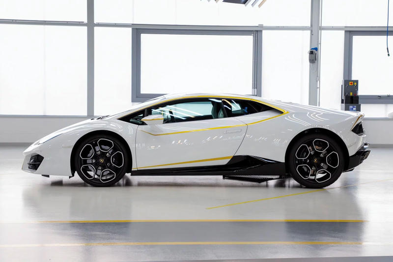 Pope Francis Lamborghini Huracan Auction price purchase 2018 sports car charity