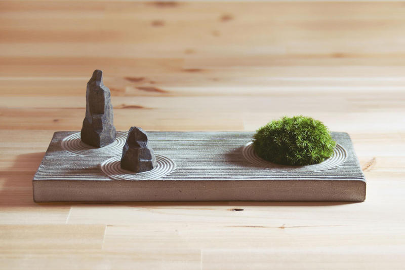 STUDIO.ZOK Miniature Rock Zen Garden