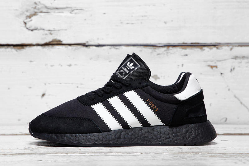 proteger caja de cartón cobija  adidas I-5923 Surfaces in Simple Black & White | HYPEBEAST