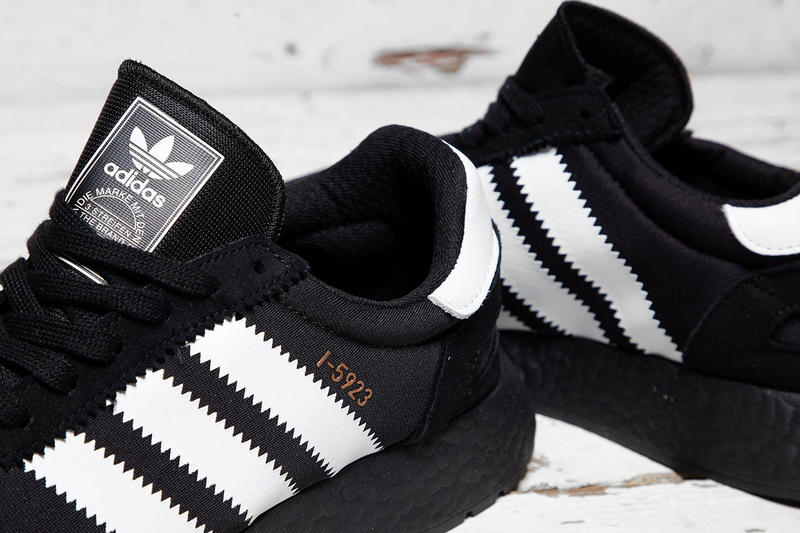 sneakers footwear iniki boost
