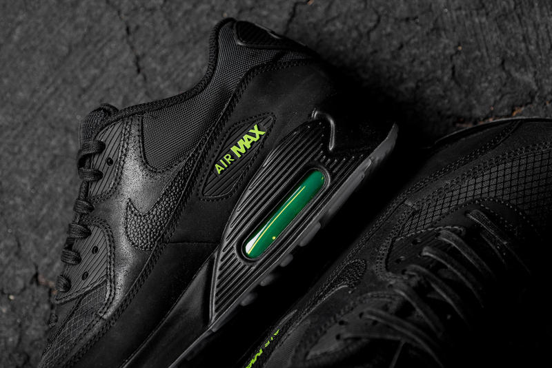 "the best attitude 7b9a1 576df Nike Air Max 90 ""Black/Volt"" Release Date 