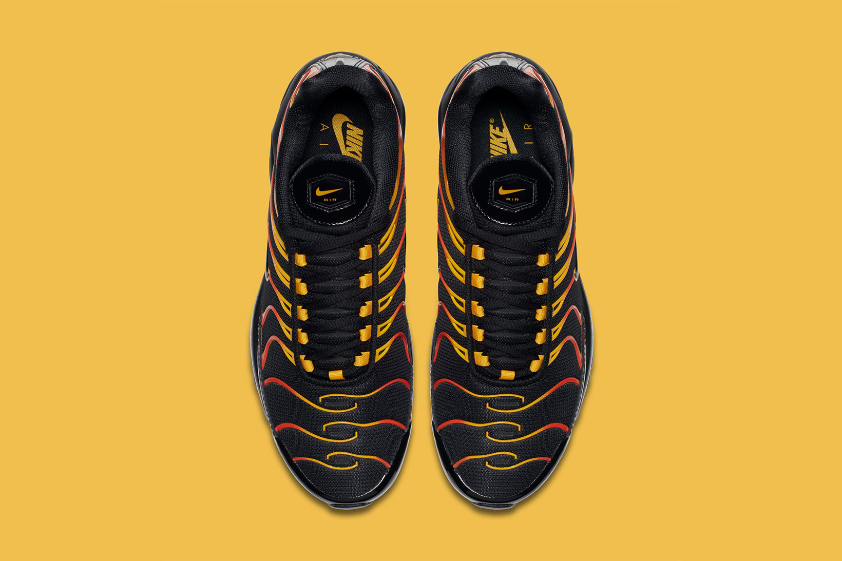 Nike Air Max 97/Plus in Black/Red