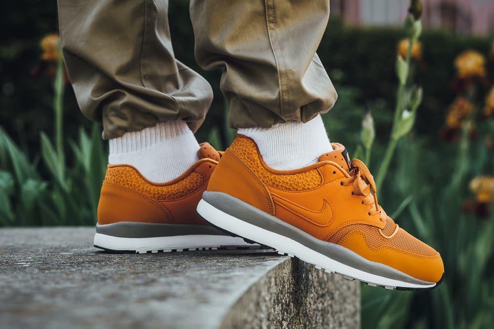 Nike Air Safari Monarch cobblestone white orange may 2018 release date info drop Titolo