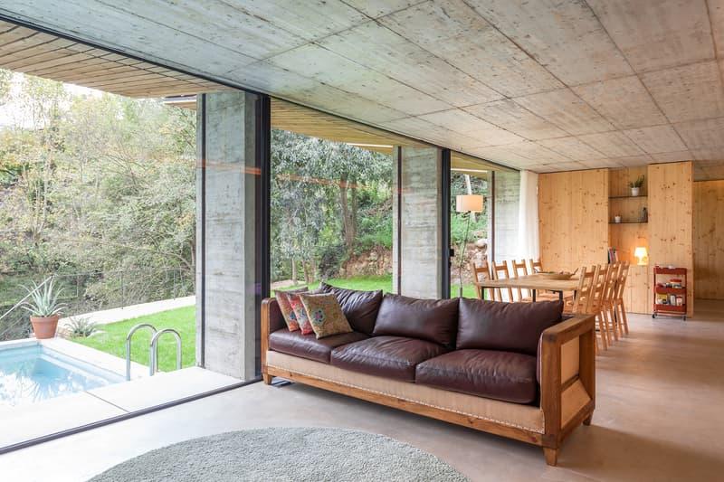 Retina House Arnau estudi D'Arquitectura Spain Houses Modern Catalonia Santa Pau Countryside Open-Plan Inspiration Design Interior Look Around Rent Home