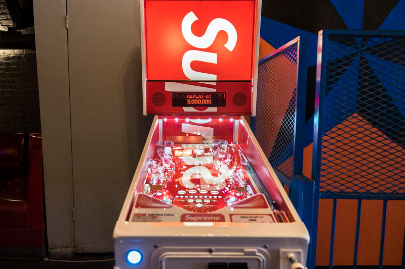 Supreme Stern Pinball Machine video pictures