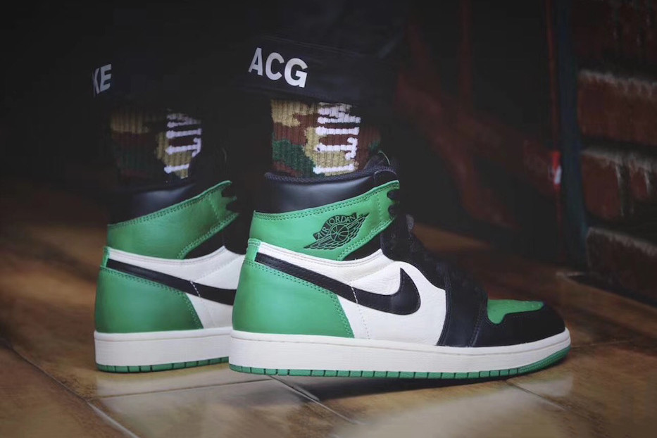 "10685e3a5de Air Jordan 1 High ""Pine Green"" On-Feet Look 
