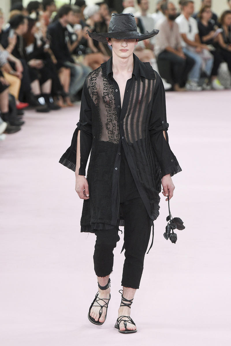 Ann Demeulemeester spring summer 2019 runway show paris fashion week men Sébastien Meunier