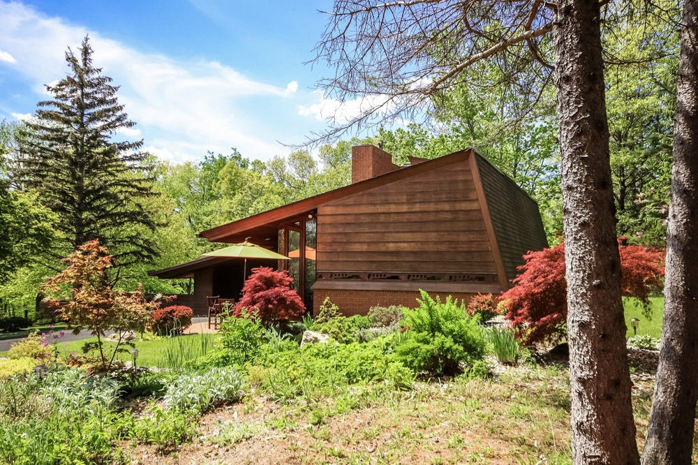 Frank Lloyd Wright Whiteford Haddock House ann arbor michigan sale first time ever june 2018