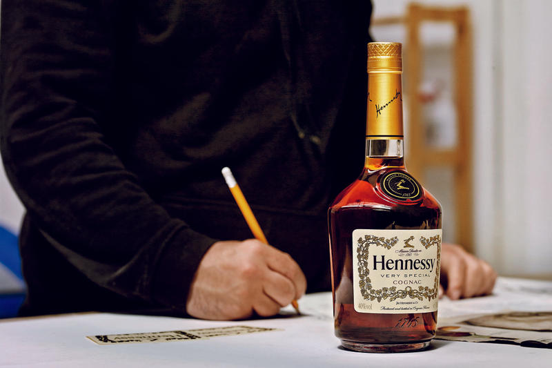 Hennessy V.S Limited Edition VHILS Bottle Design