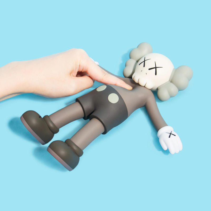 KAWS HOLIDAY Seokchon Lake Seoul korea 2018 allrightsreserved floating toy