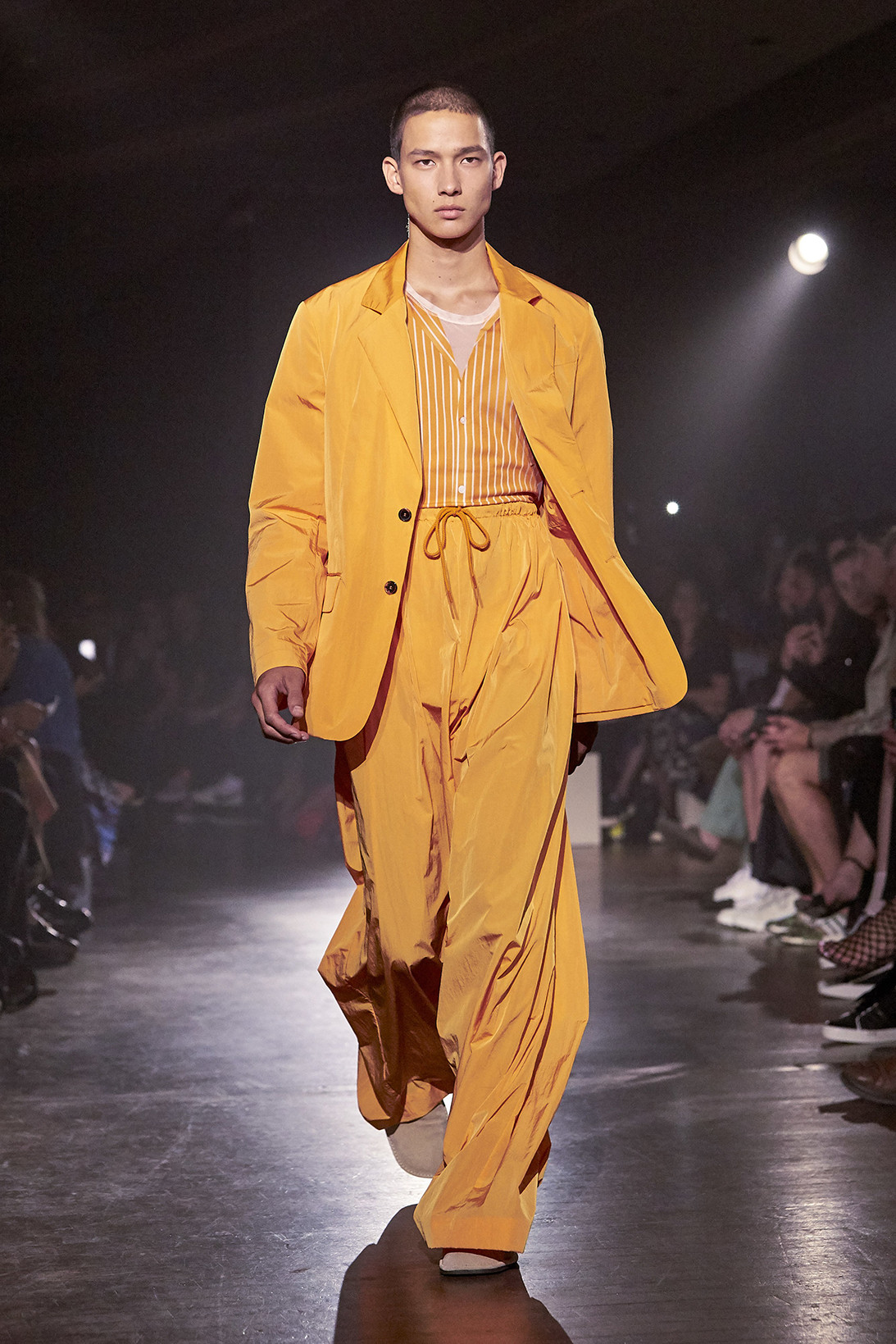 Kenzo SpringSummer 2019 Collection – Paris Fashion Week