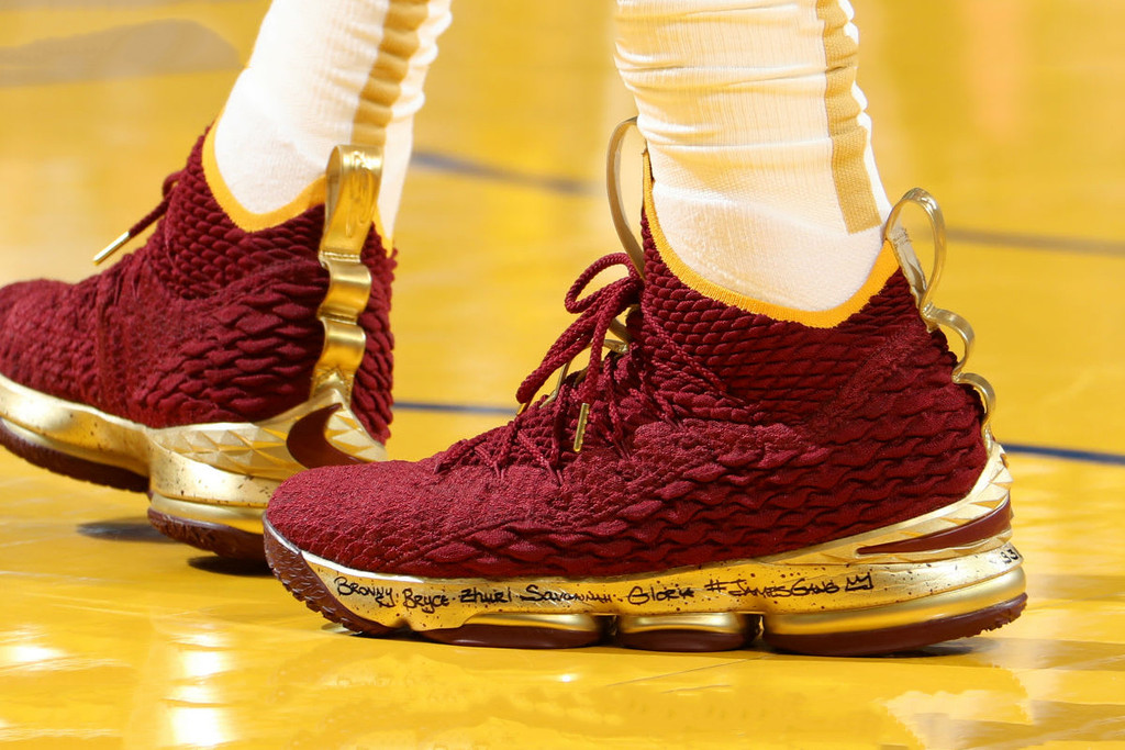 779bdcce32ff0 LeBron James Wore a Burgundy   Gold Nike LeBron 15 PE for Game 2 of the