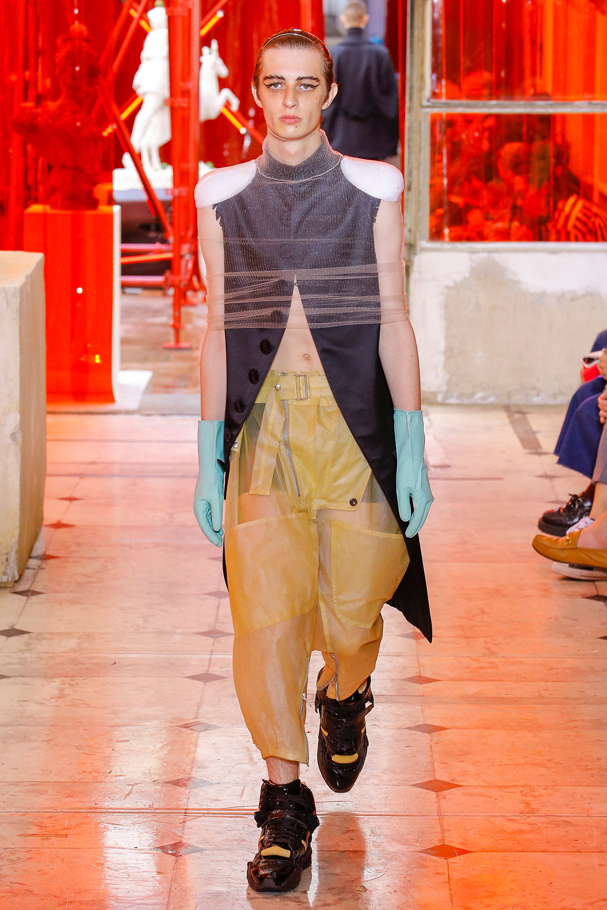 John Galliano's SpringSummer 2019 Collection Is Rife With Sensual Thirties Dresses photo