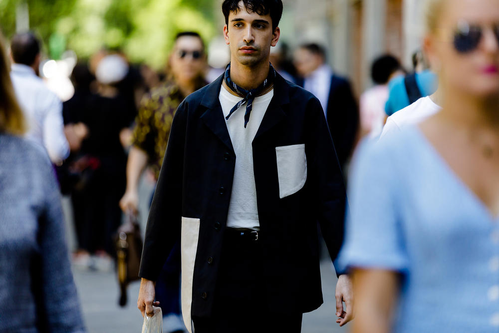 milan fashion week street style spring summer 2019 white black shirt scarf neckerchief pocket tee