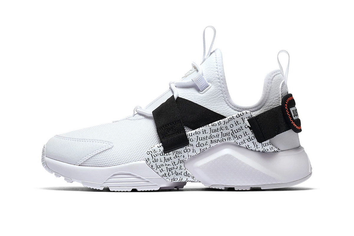 """Nike Air Huarache City Low """"Just Do It"""
