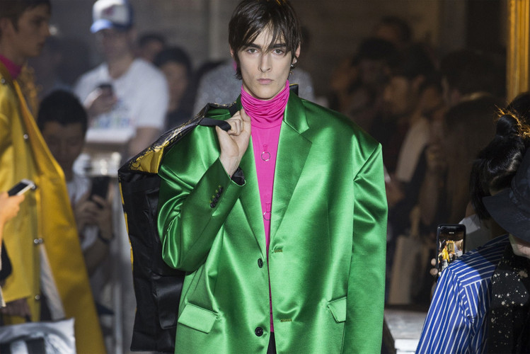 47d2a05d63e9 Raf Simons Ushers New Wave of Menswear Tailoring for SS19