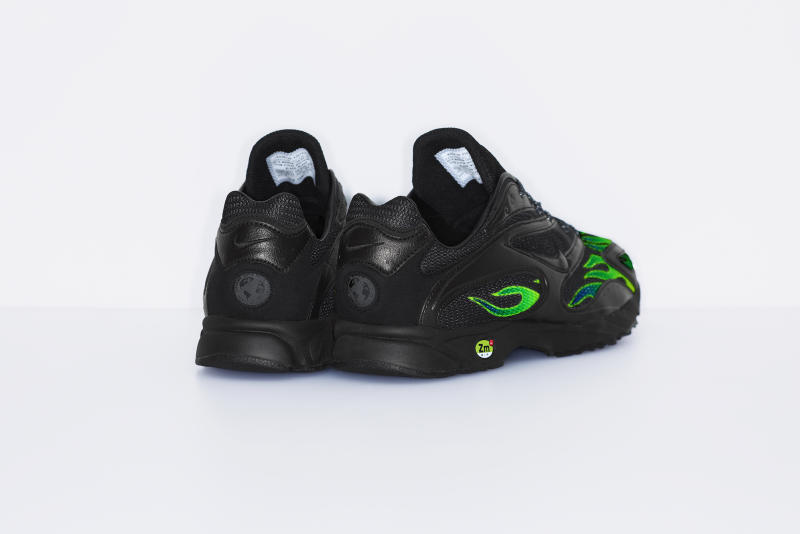 supreme nike air streak spectrum plus black volt heel