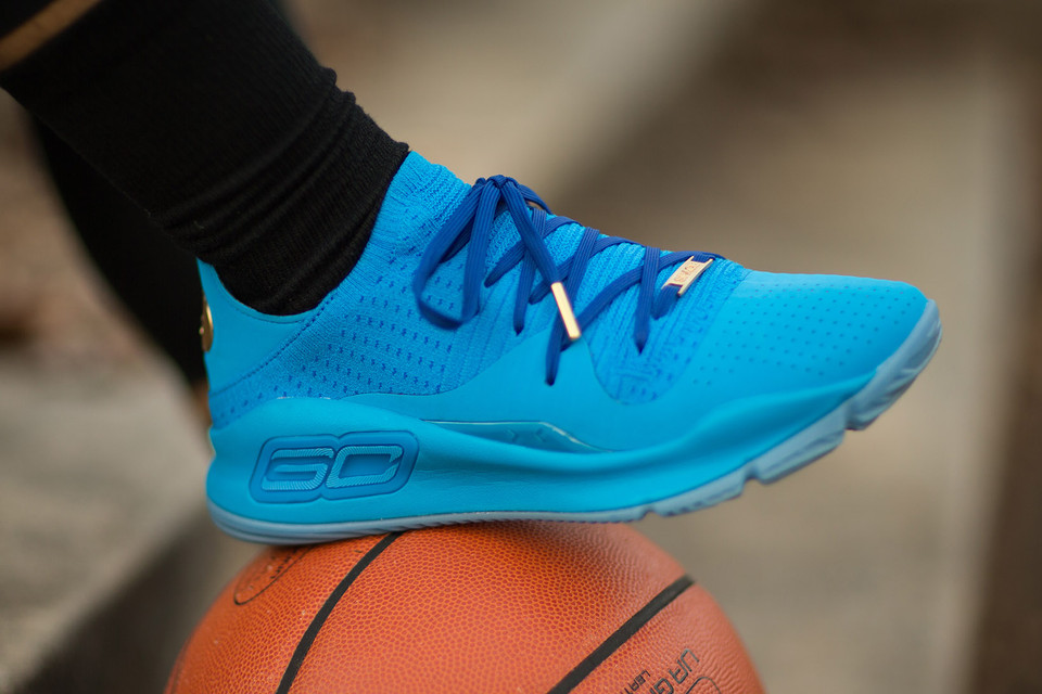 46b9ac9b4254 Under Armour Steph Curry VR Pop-Up in Oakland