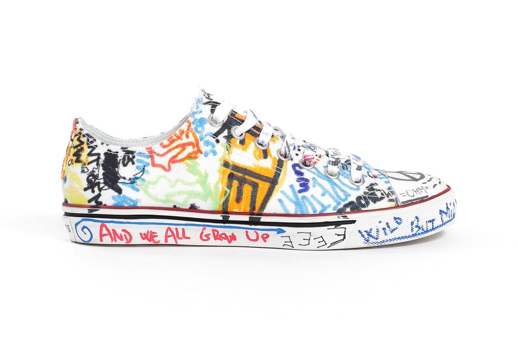 57ad2cf6342ba6 Vetements Drops FW18 Graffiti Low-Top Sneakers