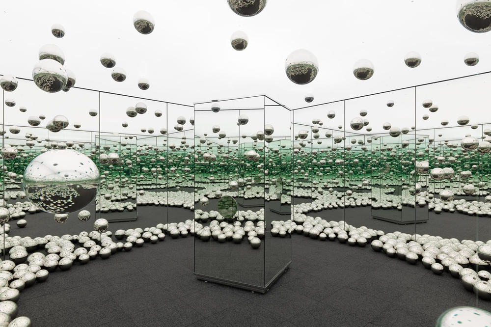 yayoi kusama infinity room wnder museum chicago installation exhibition art artwork
