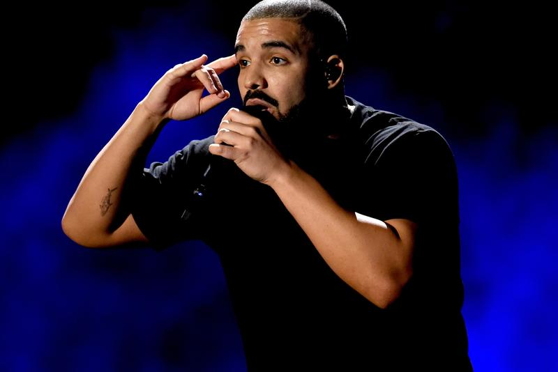 Drake Scorpion No number one 1 Billboard 200 albums albums chart 2018 london wireless music festival nike ovo soccer football kit jersey octobers very own stage concert performance mic great britain united kingdom uk flag
