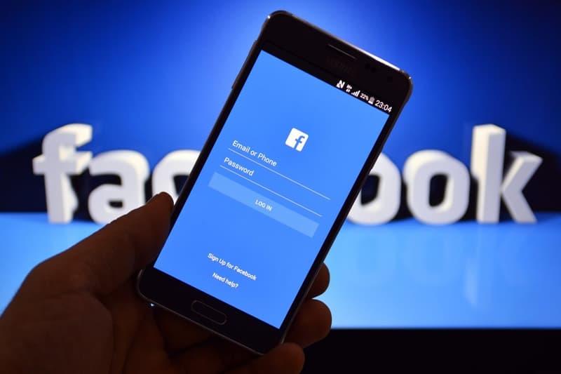 Facebook Suffers $130 Million Market Value Loss | HYPEBEAST