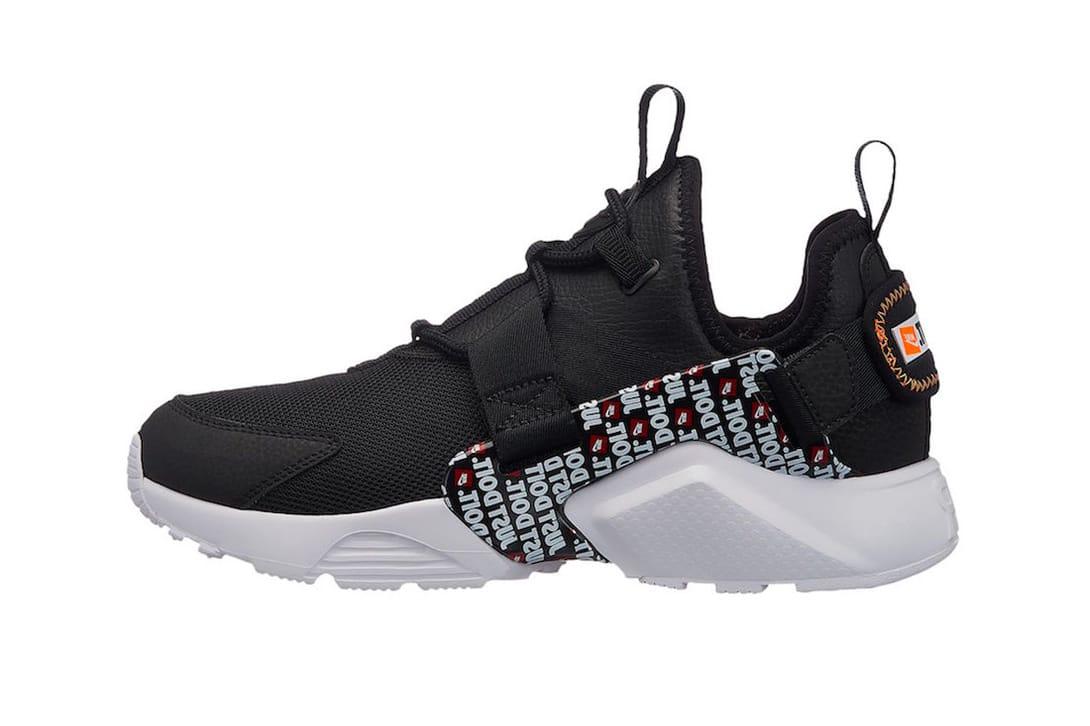 Nike Air Huarache City Black Just Do It