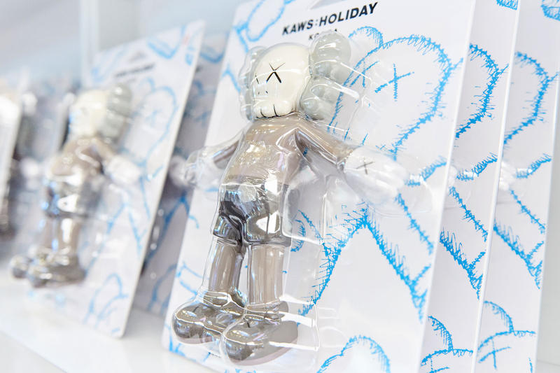 KAWS Holiday Allrightsreserved Lotte Seoul Korea Seokchon Lake Toy Towel Merch Pop Up