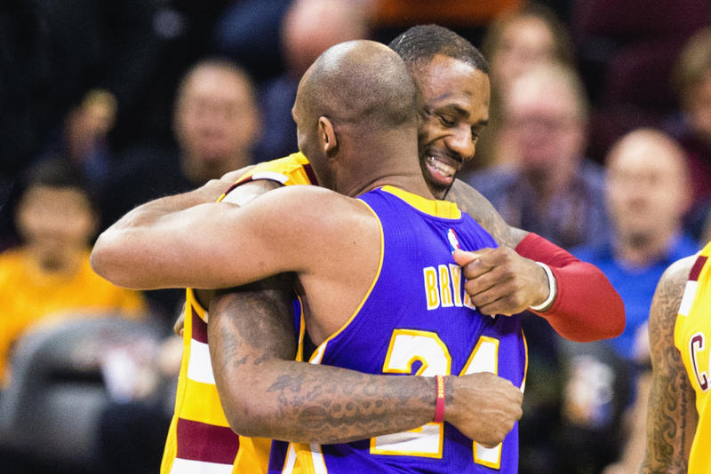 a6245d5d183 Kobe Bryant Welcomes LeBron James to the Lakers