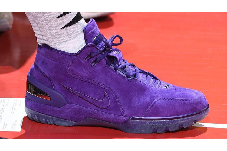 f3e493261115 LeBron James Attends Summer League Game Sporting Purple Nike Air Zoom  Generation PE s