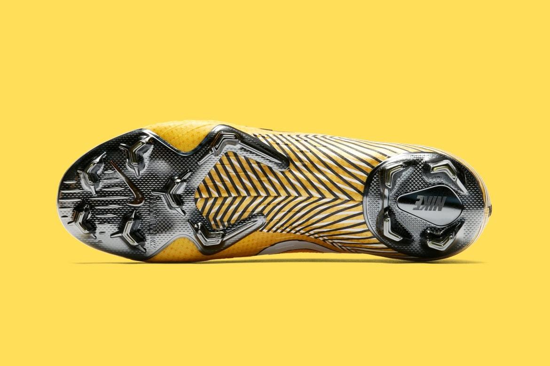 sports shoes 1eaf3 ca918 Neymar Jr. Nike Mercurial Vapor 360