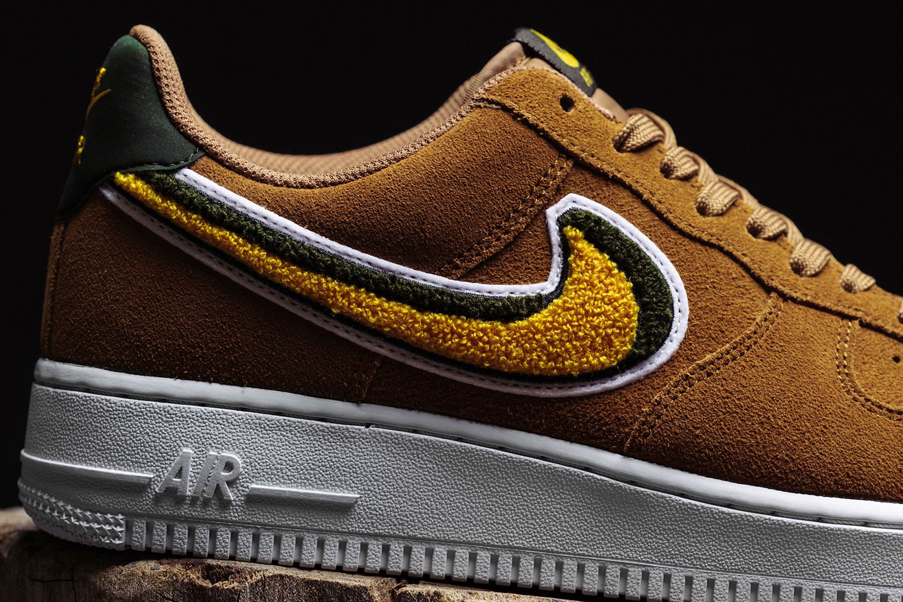 Nike Air Force 1 07 LV8 Muted Bronze in