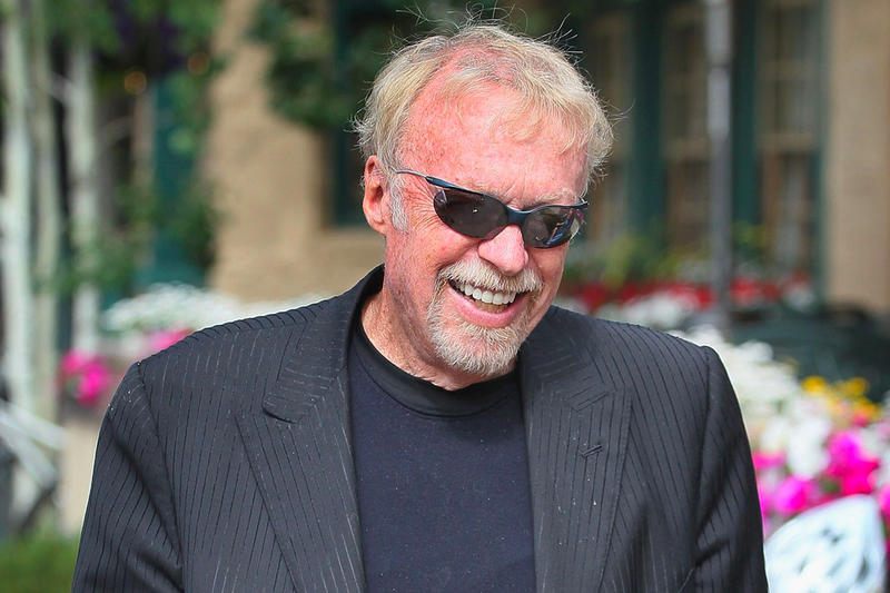 Phil Knight Shoe Dog Memoir book Netflix Film movie Frank Marshall Scott Alexander Larry Karaszewski