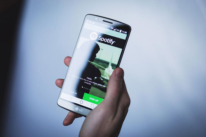Spotify Lets Artists Send Music Playlists Music Apps Spotify Content unreleased new rap caviar beta 2018 feature billboard