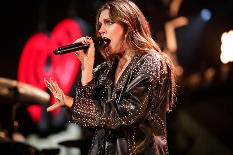 tove-lo-teases-new-music-with-elusive-instagram-posts