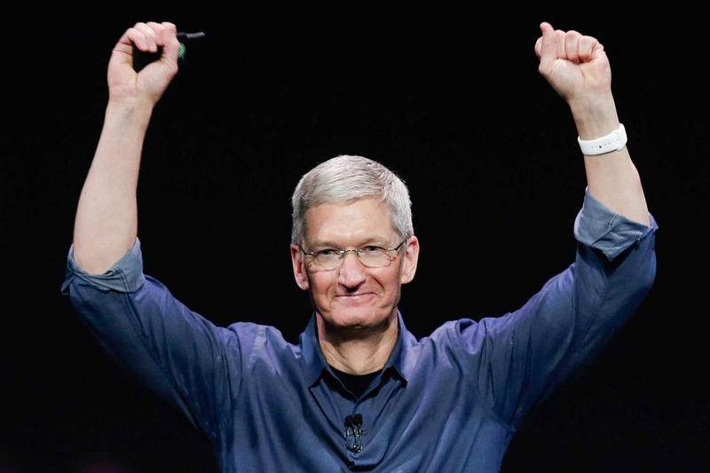 Apple's Tim Cook Employee Memo After Trillion