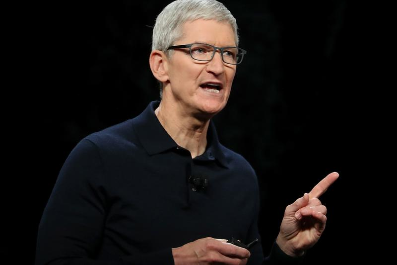 apple ceo tim cook spotify fast company august 2018 interview draining humanity out of music criticizes criticism daniel ek