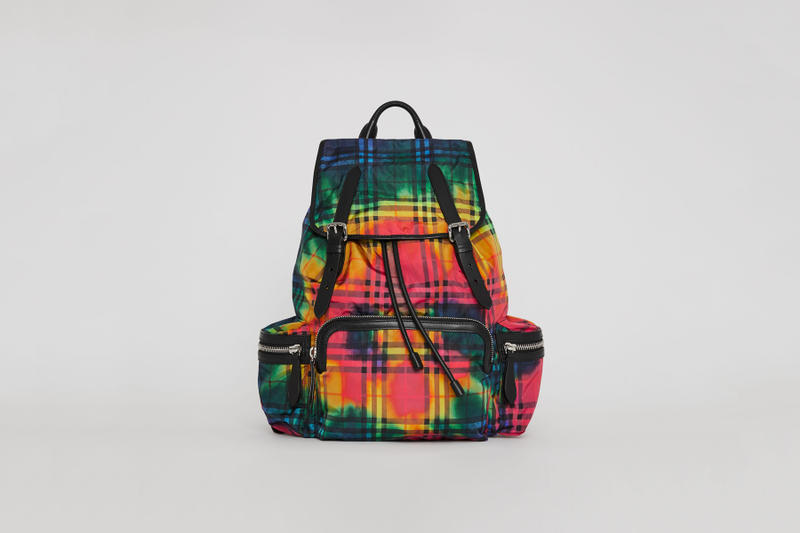 burberry 2018 august fashion accessories tie dye