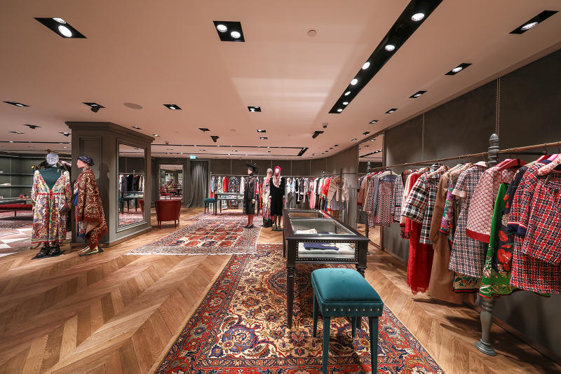 Gucci London Sloane Street Flagship Store Inside Newly Renovated 1200 Square Meters Two Floors Mens Womens Ready-to-wear Accessories Handbags Luggage Footwear Jewellery Watches Eyewear Décor Collection Dapper Dan Alessandro Michele Customization Personalization