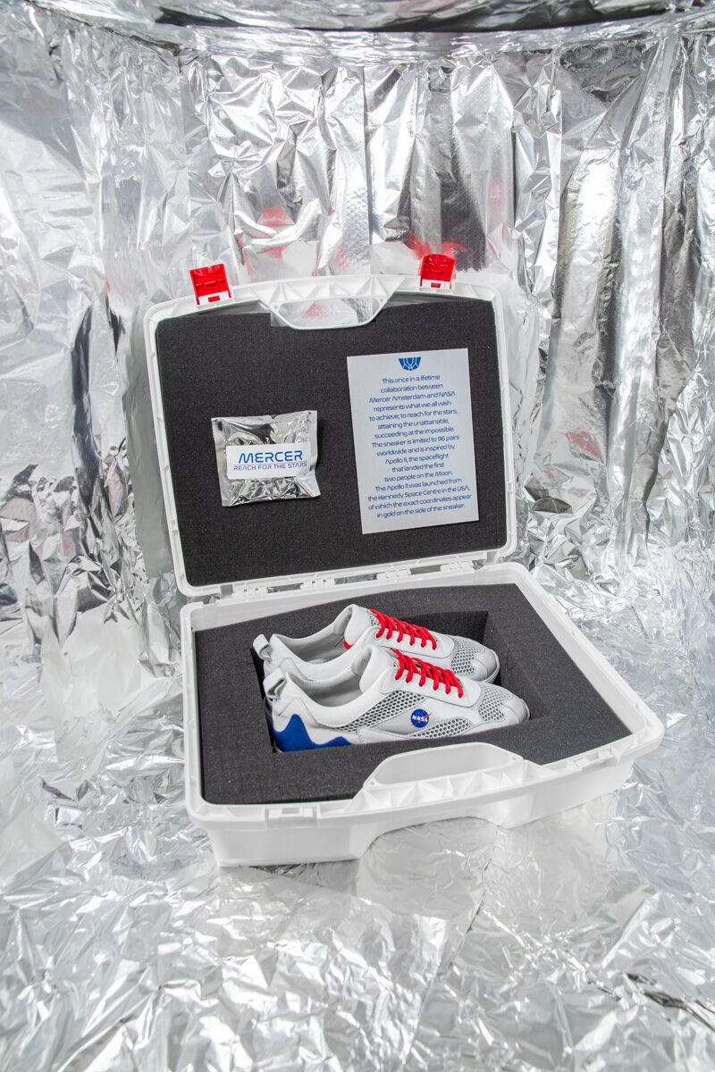 mercer amsterdam nasa sneakers collaboration 2018 fall winter white blue grey red black apollo 11 shoes