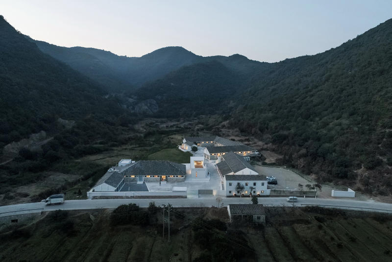 Miya LOSTVILLA Huchen Barn Resort Ares Partners Huchenxiang Ninghai Ningbo Zhejiang China Hotel Modern Interior Exterior Mountainous Landscape