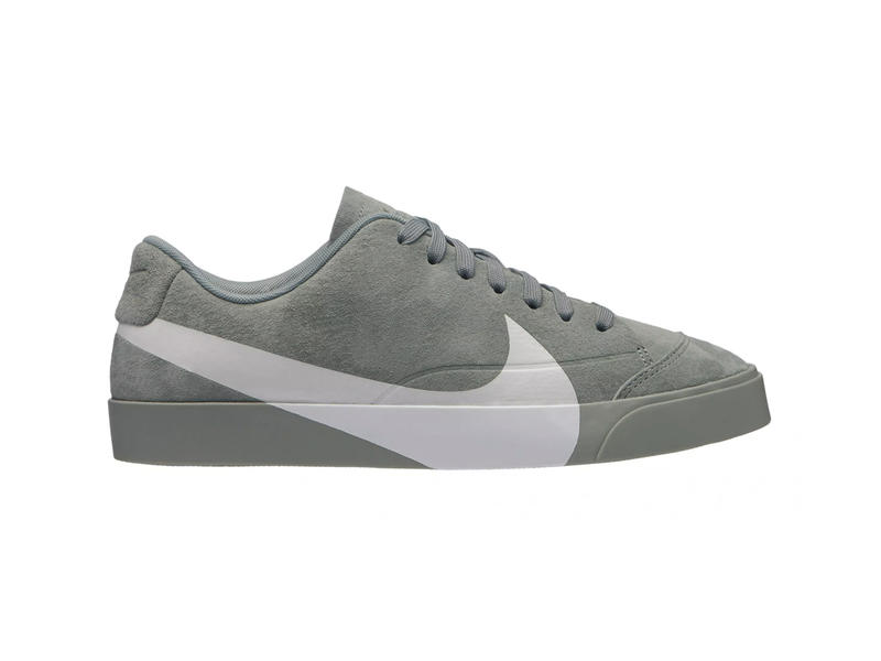 on sale ed185 0c79e Nike Blazer Low Oversized Swoosh