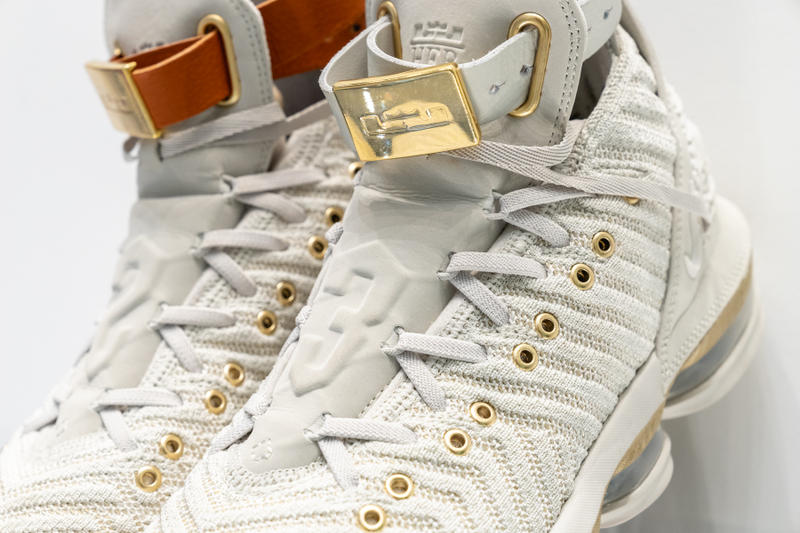 sale retailer 60f1f 33fb1 Nike LeBron 16 LMTD