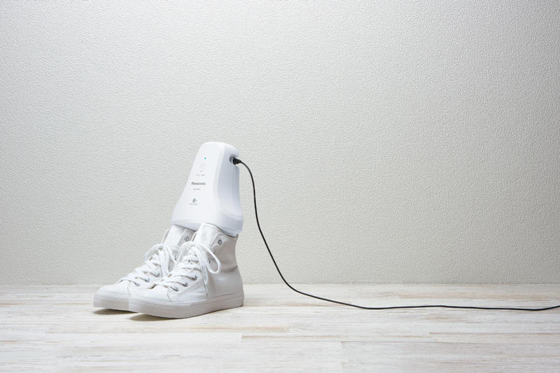 Panasonic Shoe Deodorizer Sneaker Cleaner Sleep MS-DS100 white smell gadget device