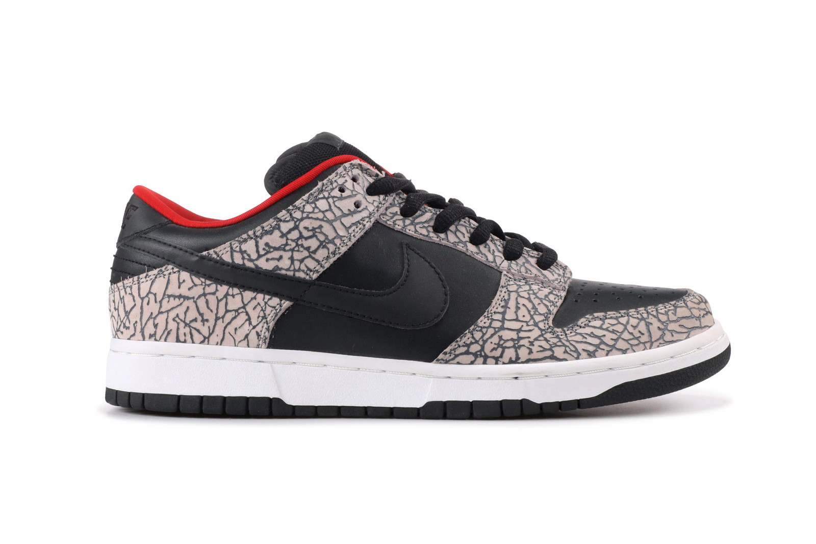 b67eb1d1569c 2002  Nike Dunk Low Pro SB Supreme (Black Cement)