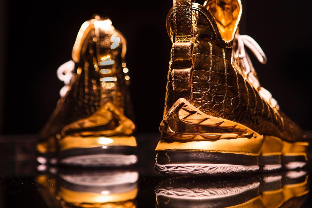 Nike Unveil Gold LeBron 15