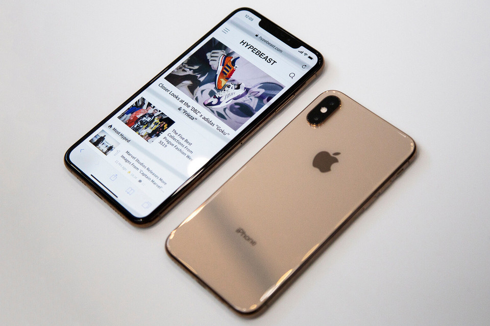 Apple Iphone Xr Xs Xs Max Experts Reactions Hypebeast